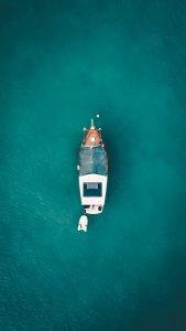 Louer un bateau sans permis pour une virée en mer